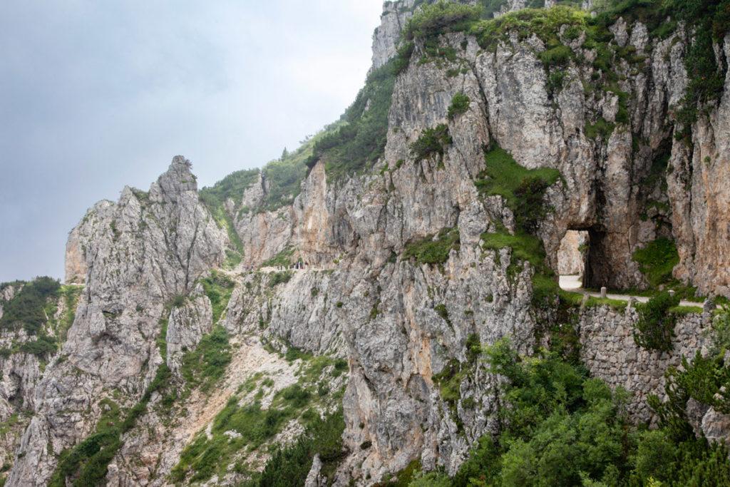 Porta Scavata nella Roccia - Strada degli Scarubbi