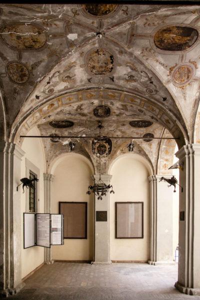 Porticato affrescato del Palazzo Urbani Acuti o Palazzo Cruciani