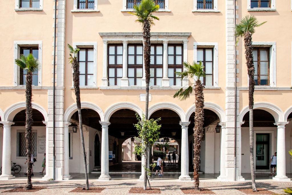 Porticato del palazzo del Podestà