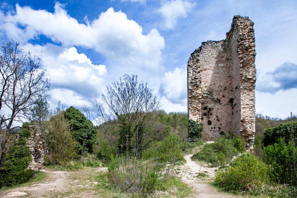 Ruderi del Castello di Rasiglia