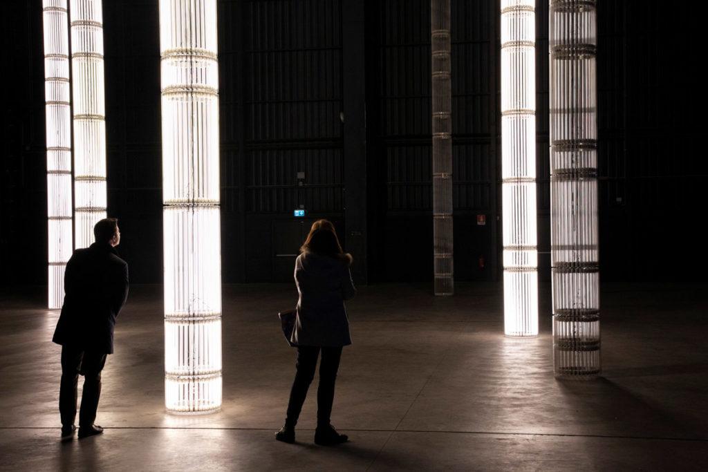 ...the Illuminating Gas - Mostra di Cerith Wyn Evans ad Hangar Bicocca