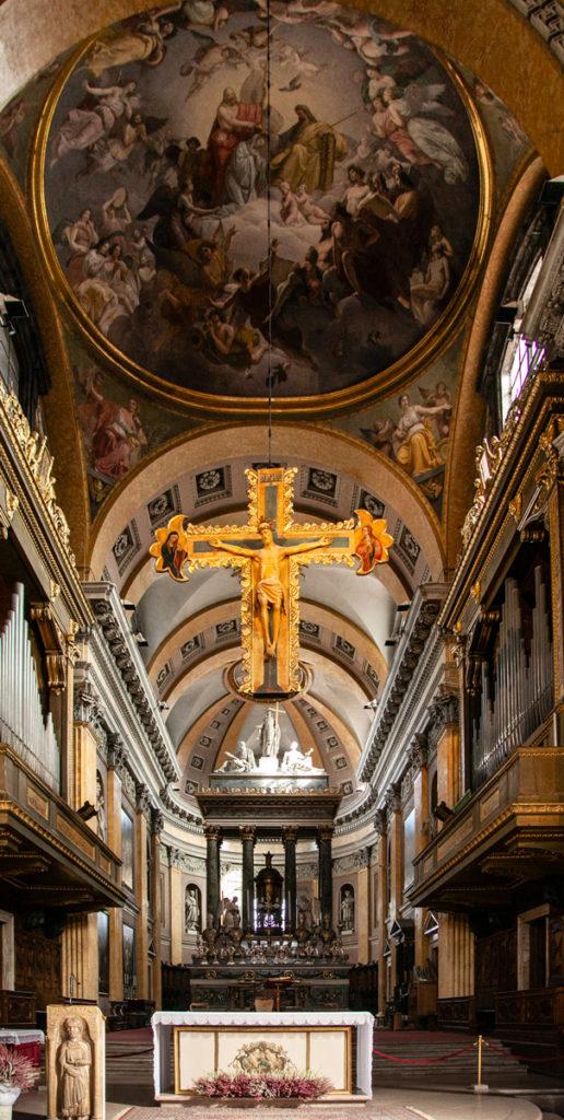 Altare maggiore del duomo di Novara