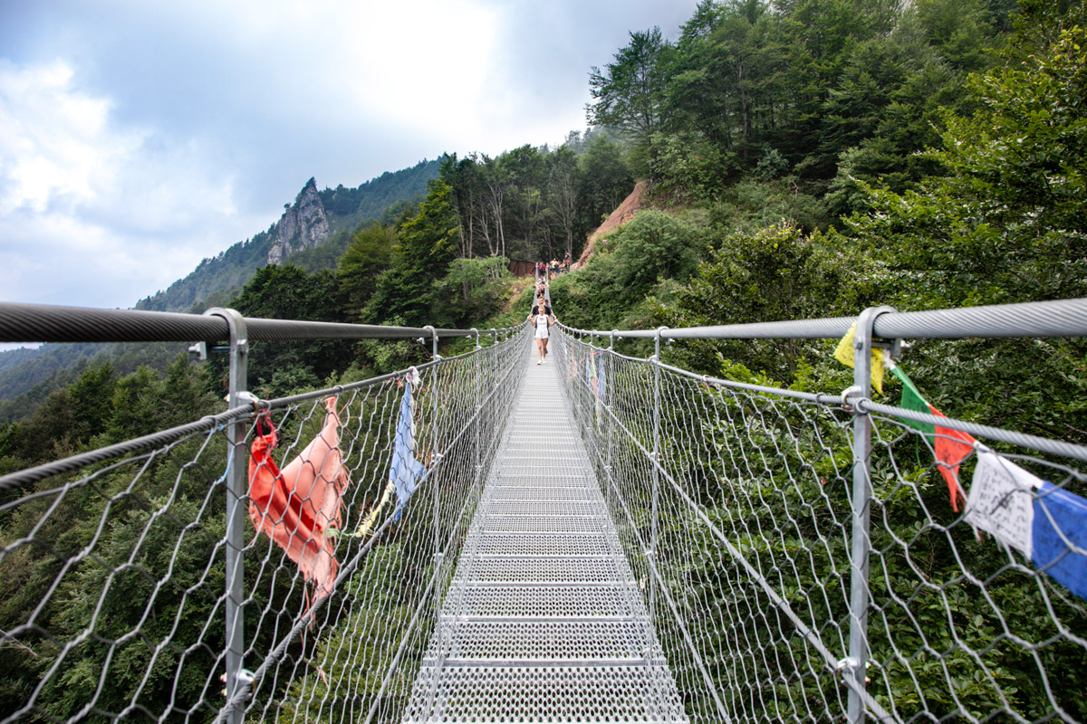 Attraversare il Ponte Tibetano di Vicenza