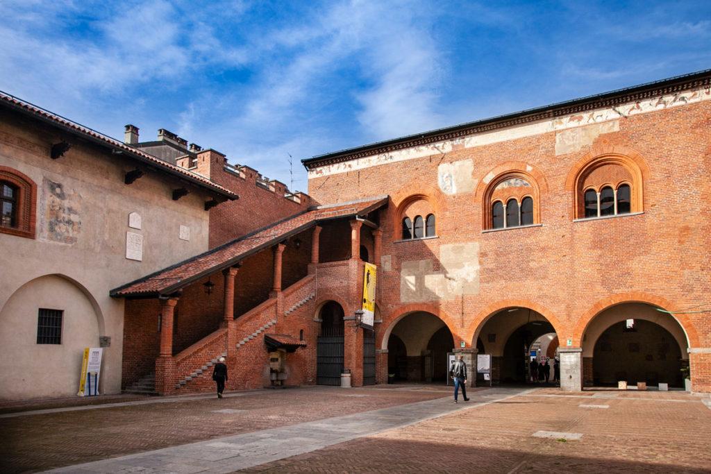 Broletto di Novara - palazzo del comune o palazzo dell'Arengo