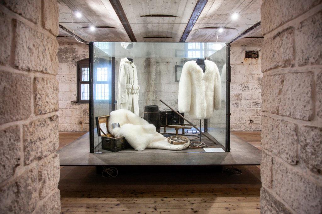 Camerata Truppa con abiti invernali per la neve - Forte Belvedere Gschwent