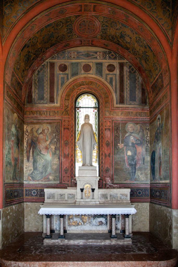 Cappella con altare della Madonna al primo piano del Sacello