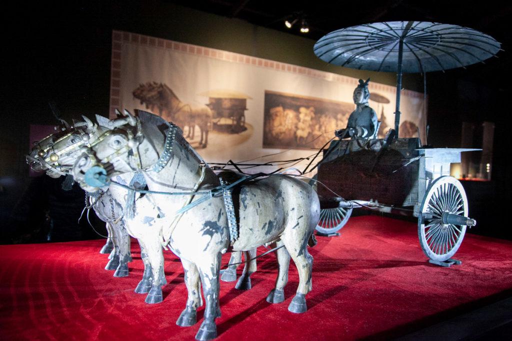Cavalli e carro di bronzo composto di 3000 pezzi - Carro Numero 1