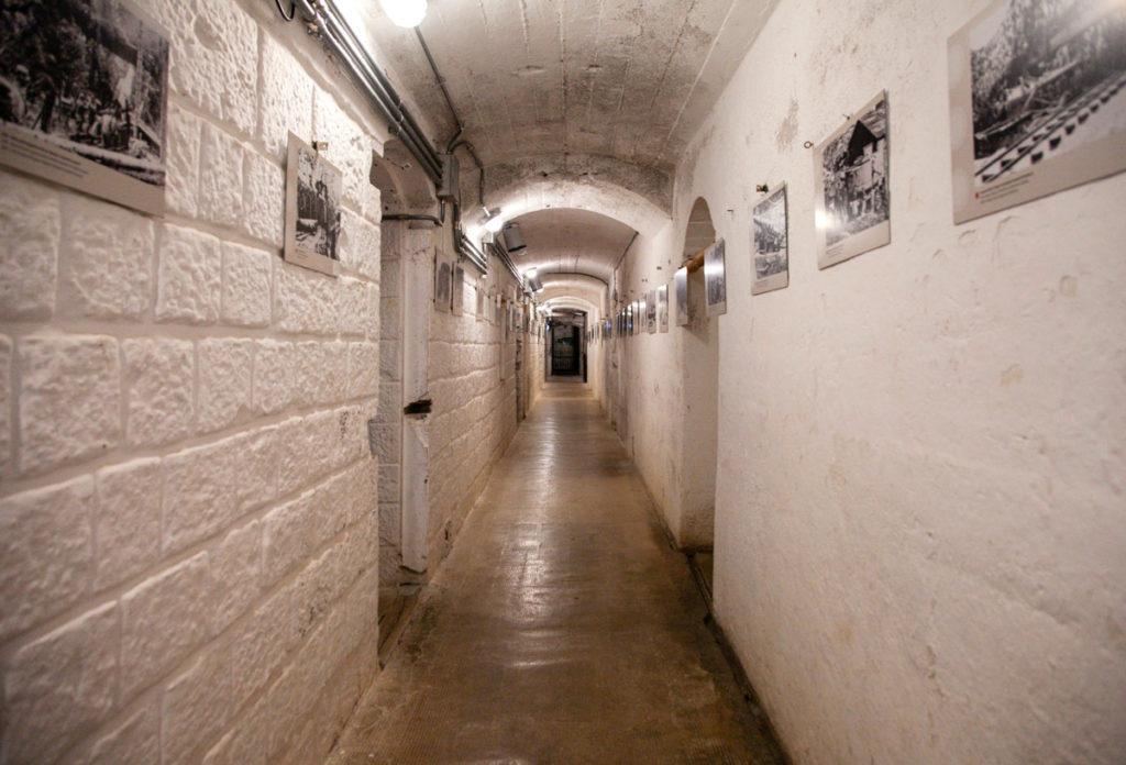 Corridoio del primo piano del blocco Casematte