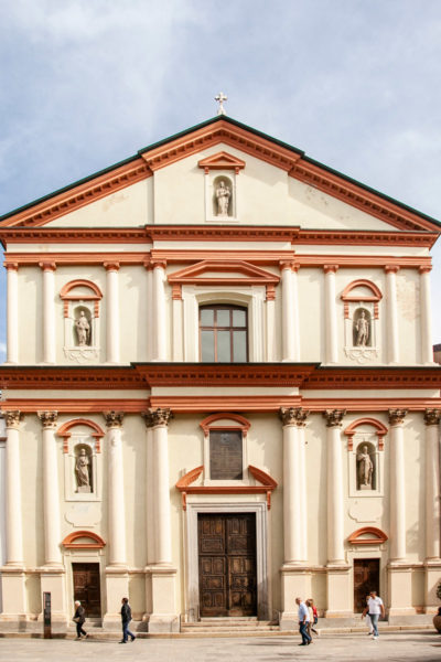 Facciata della chiesa di San Pietro al Rosario di Novara