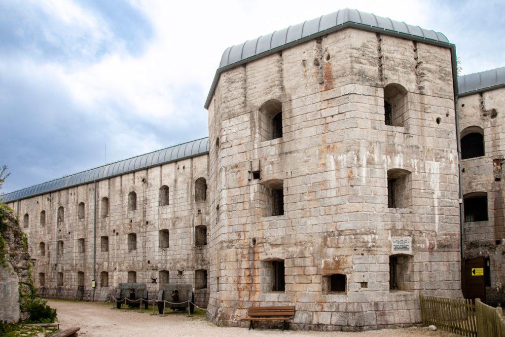 Forte Belvedere Gschwent - Ingresso nel blocco Casematte