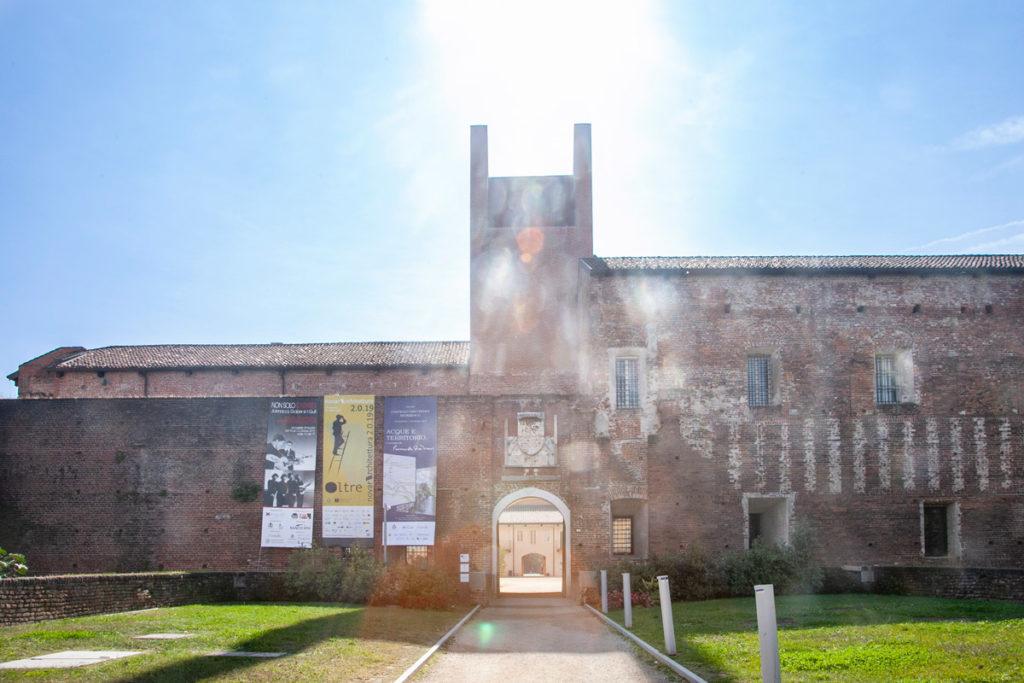 Ingresso al castello visconteo sforzesco di Novara