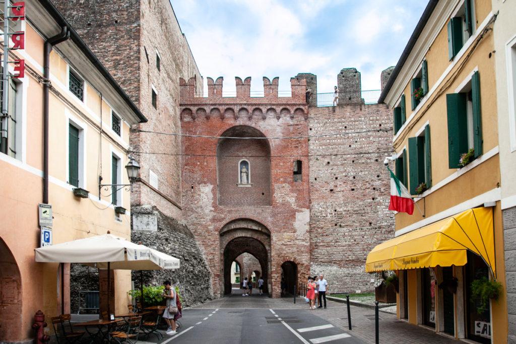 Interni di Porta Padova