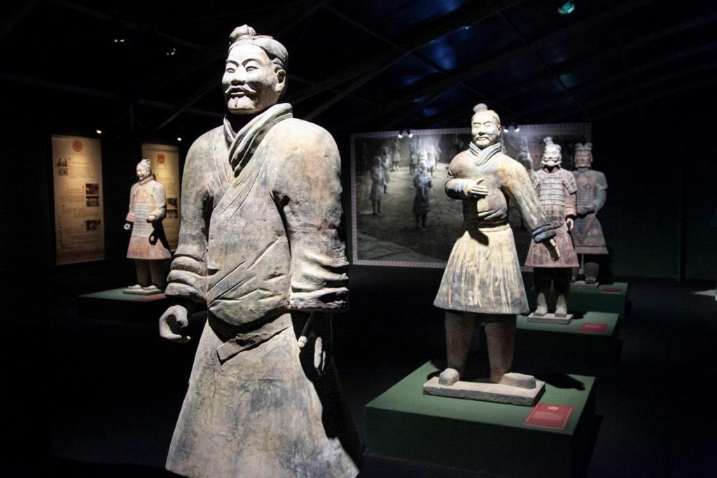 Le statue dei guerrieri di terracotta - alte tra 1,66 metri e 2,02 metri