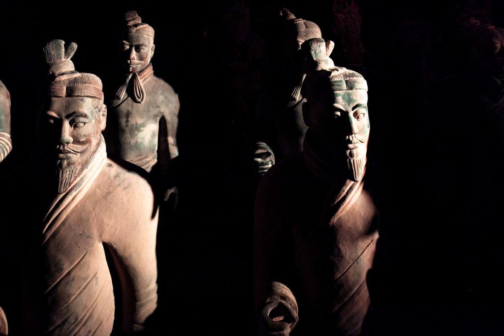 Le statue dell'Esercito di Terracotta in mostra alla Fabbrica del Vapore di Milano