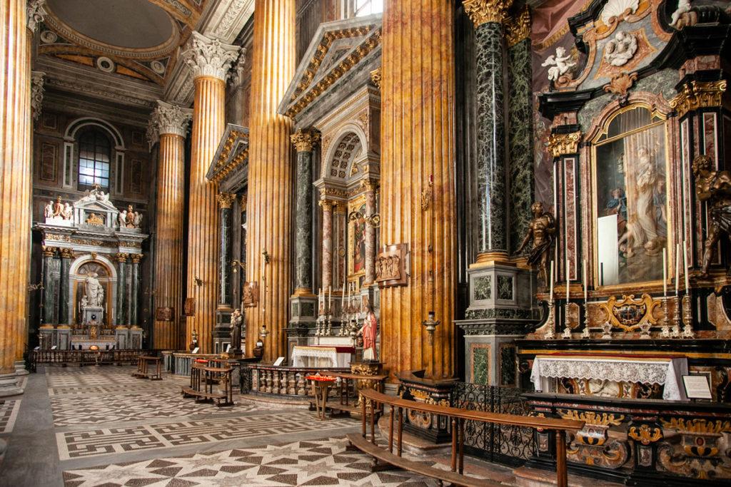 Navata destra della Cattedrale di Santa Maria Assunta - Duomo di Novara