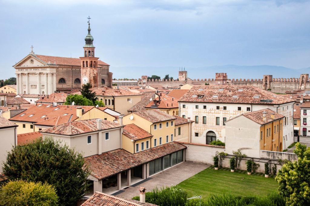 Palazzo Pretorio di Cittadella visto dal camminamento sulle mura