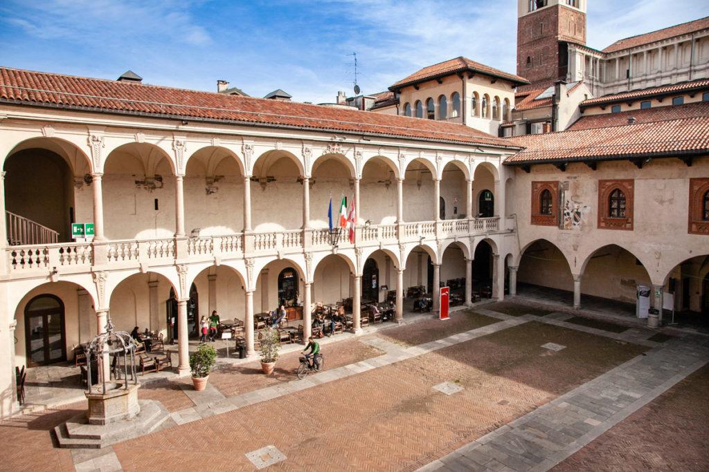 Palazzo dei Paratici e Palazzo del Podestà di Novara nel Broletto