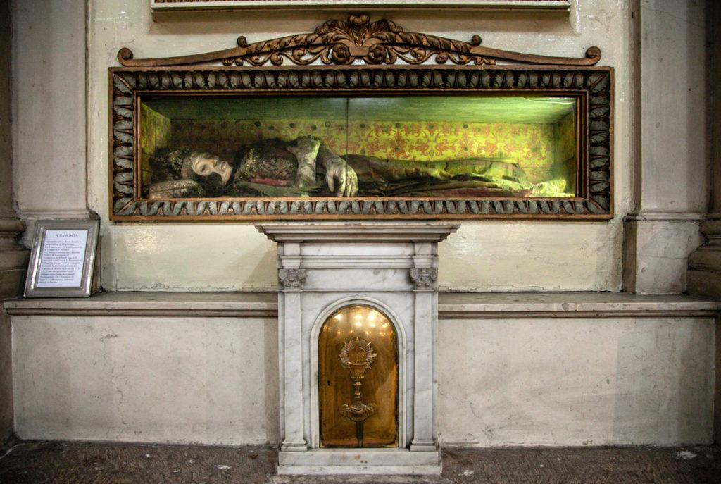 Resti e reliquie di Santa Pancacia dentro al duomo cittadino