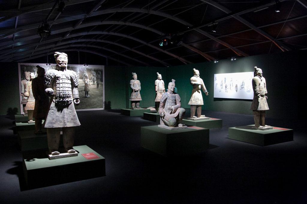 Sala con Esposti i guerrieri di Terracotta - Esercito di Terracotta dell'Antica Cina