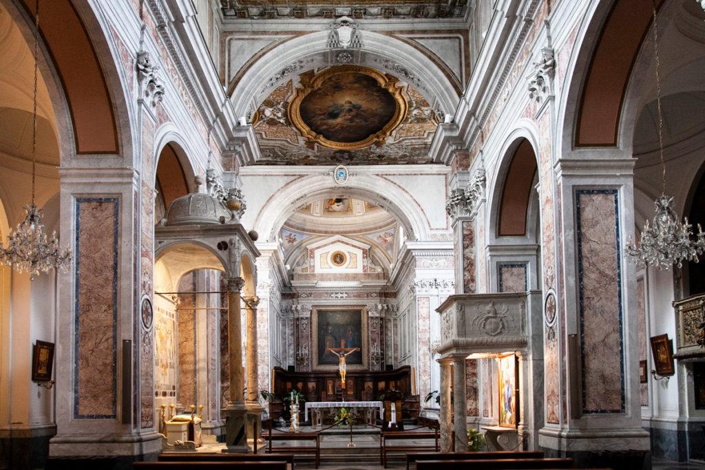 Altare pulpito e cattedra episcopale del Duomo di Sorrento
