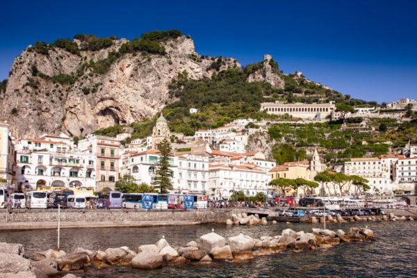Amalfi - Parcheggi in piazza Flavio Gioia