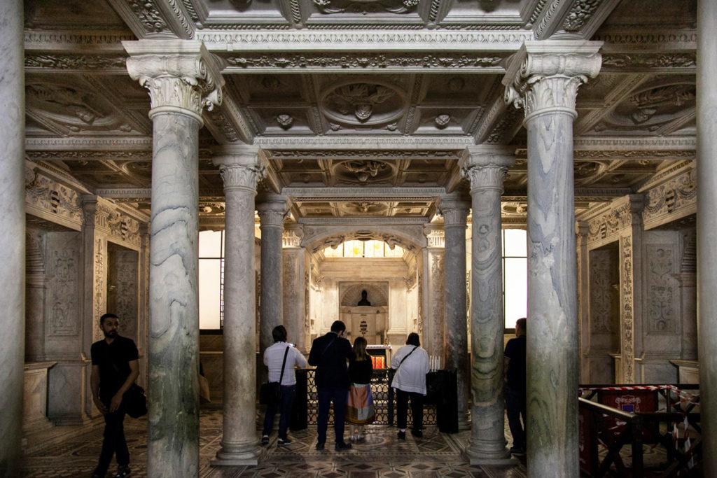 Basilica di Santa Restituita - Napoli