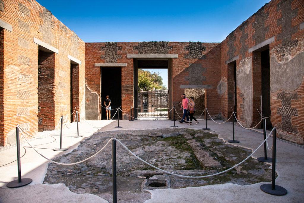 Casa dei Mosaici Geometrici - Ingresso