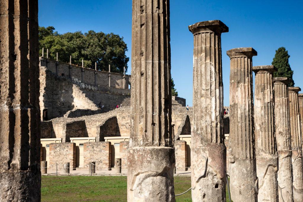 Colonne della Caserma dei Gladiatori a Pompei