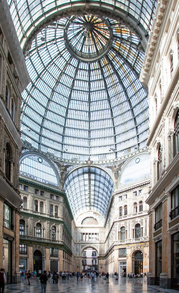 Cupola in vetro della Galleria Umberto I di Napoli