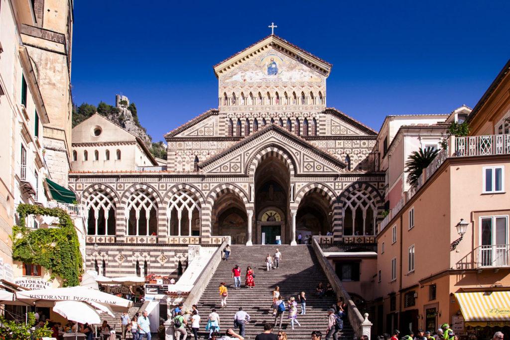 Facciata del Duomo di Amalfi sopra alla Scalinata