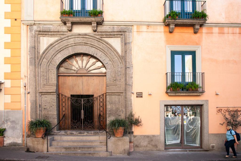 Facciata del Palazzo Marziale di Sorrento