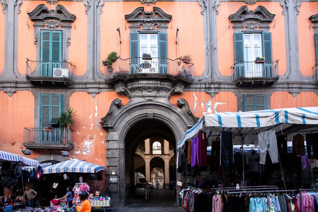 Facciata del palazzo dello Spagnuolo - Cosa vedere a Napoli - Rione Sanità