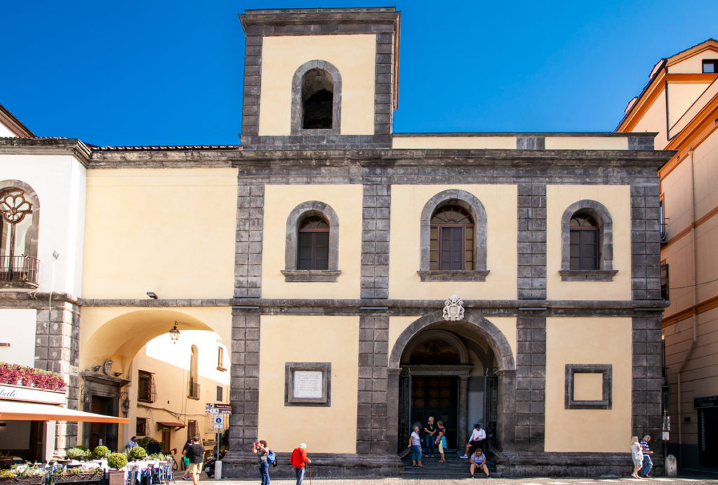 Facciata della Basilica di Sant'Antonino a Sorrento