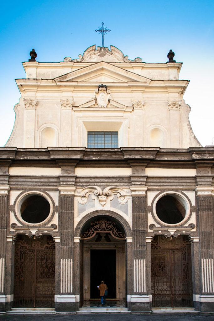 Facciata della chiesa della Certosa di San Martino