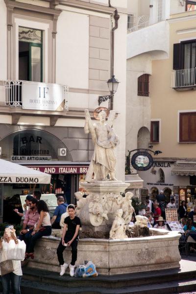 Fontana di Sant'Andrea in piazza del Duomo