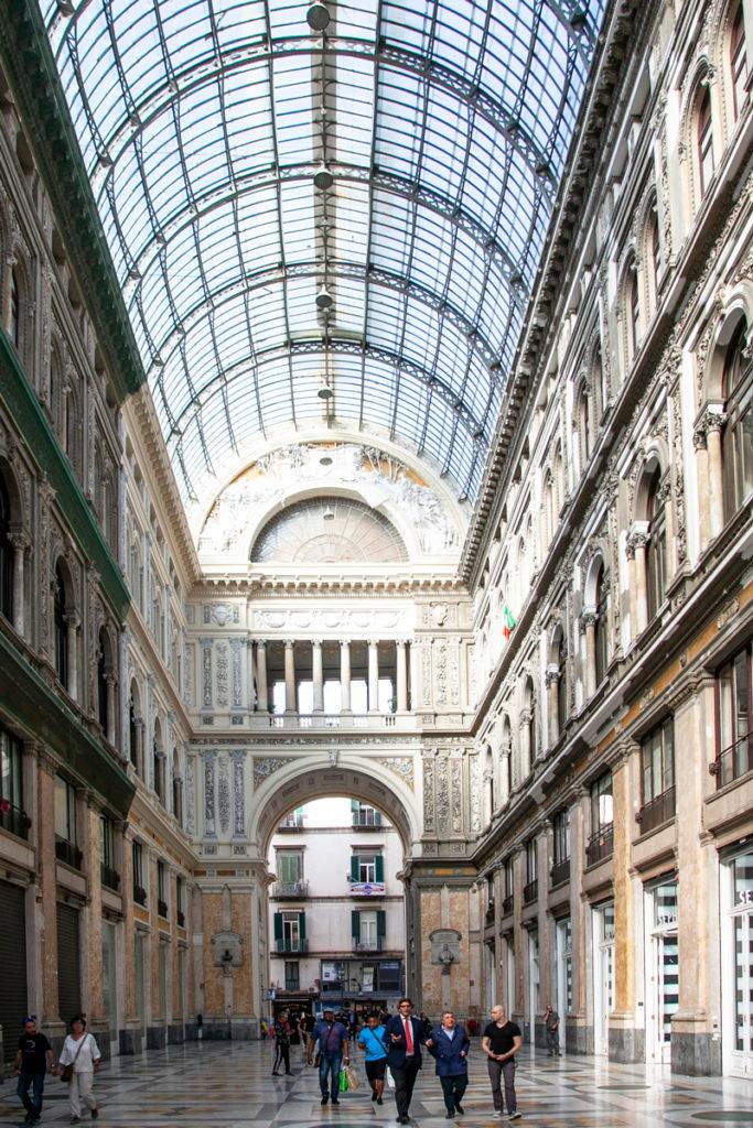 Galleria Umberto I e i suoi negozi