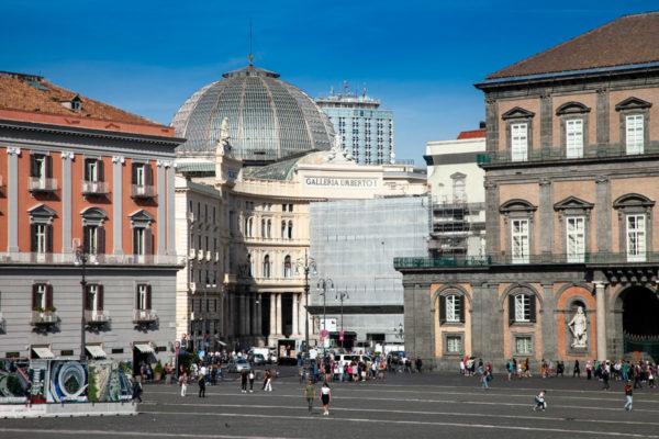 Galleria Umberto I vista da Piazza del Plebiscito