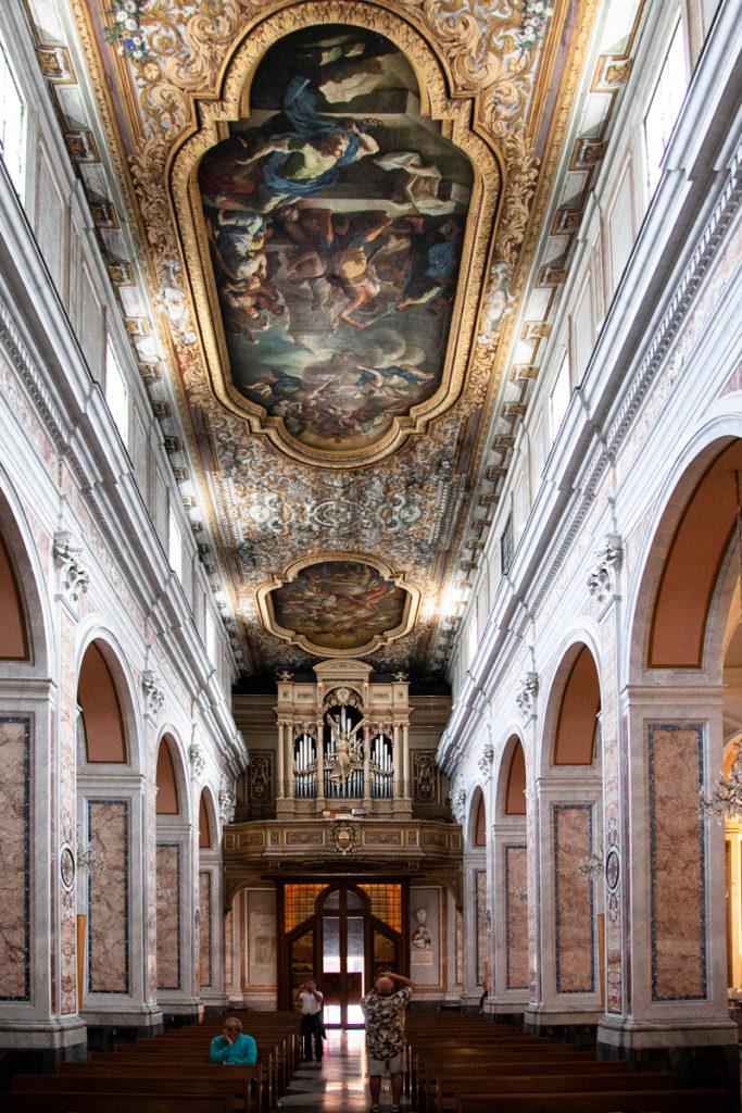 Ingresso al Duomo di Sorrento - Navata Principale