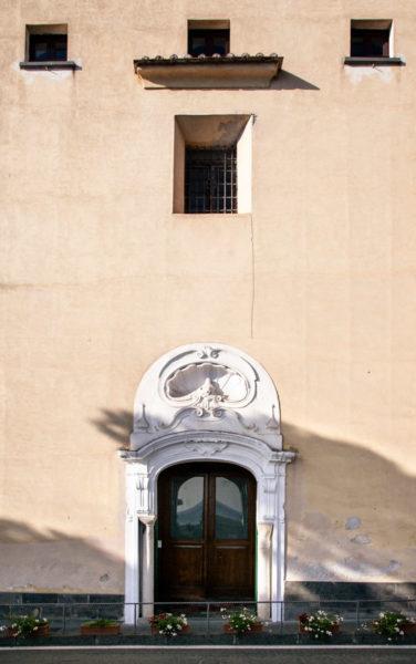 Ingresso alla Chiesa di San Benedetto - Amalfi