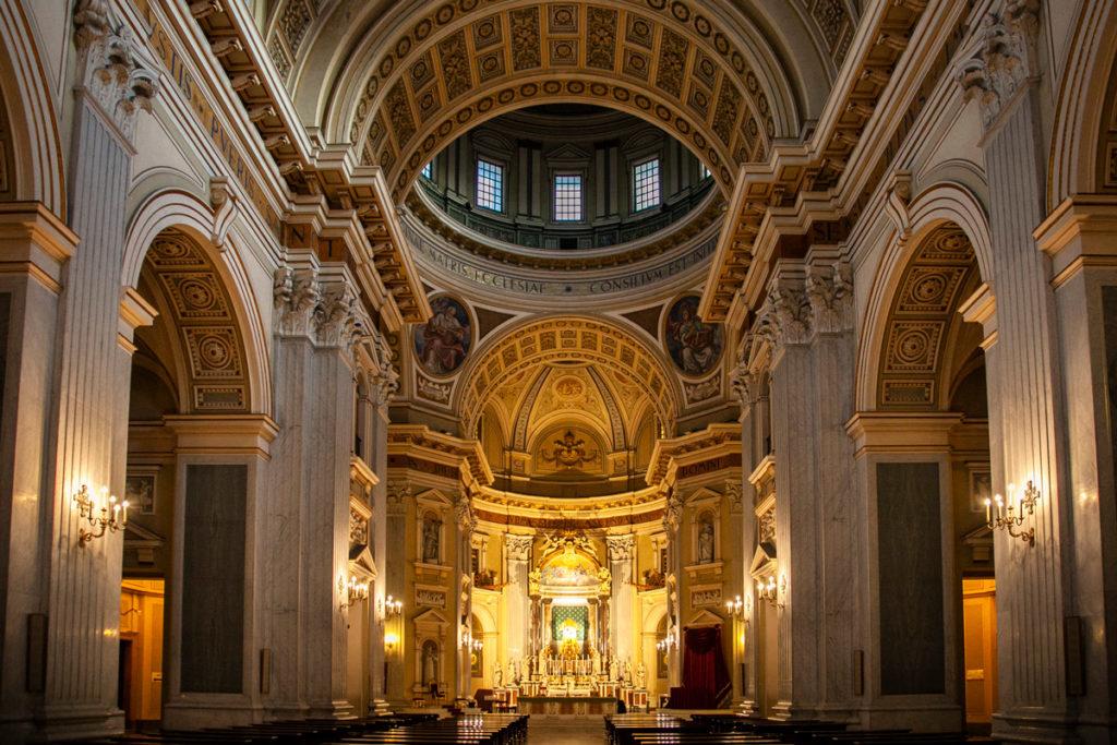 Interni della Basilica dell'Incoronata Madre del Buon Consiglio