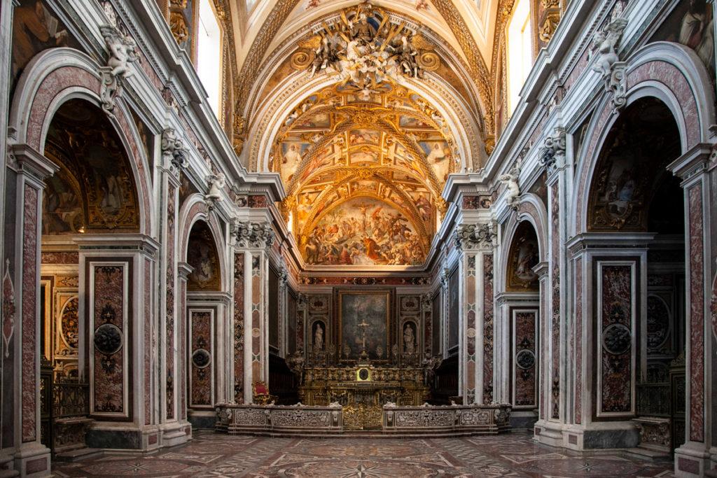 Interni della chiesa della Certosa di San Martino a Napoli