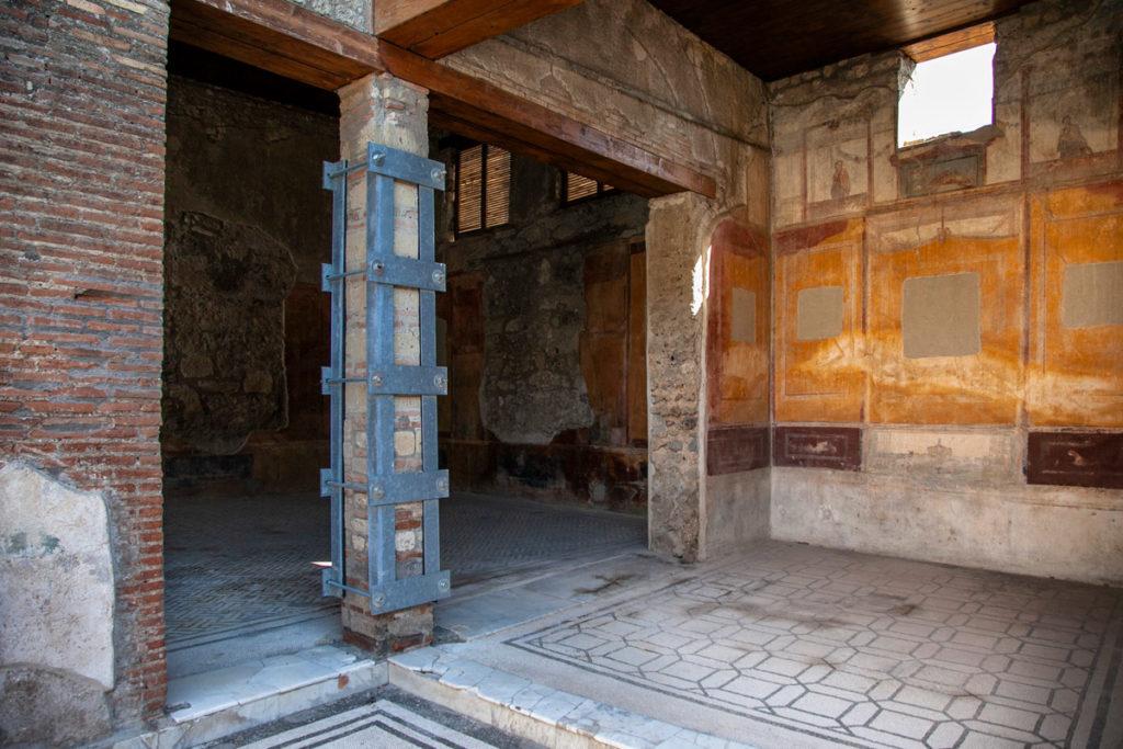 Interni e Affreschi della Casa di Marco Lucrezio