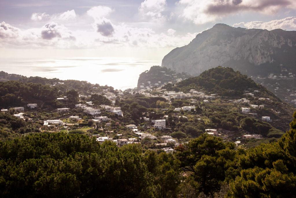 Isola di Capri al tramonto