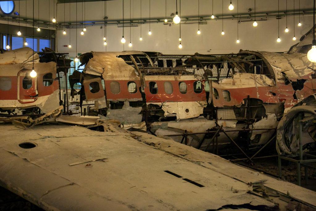 Luci fioche sull'aereo che si illuminano al battito del cuore - Museo per la Memoria di Ustica