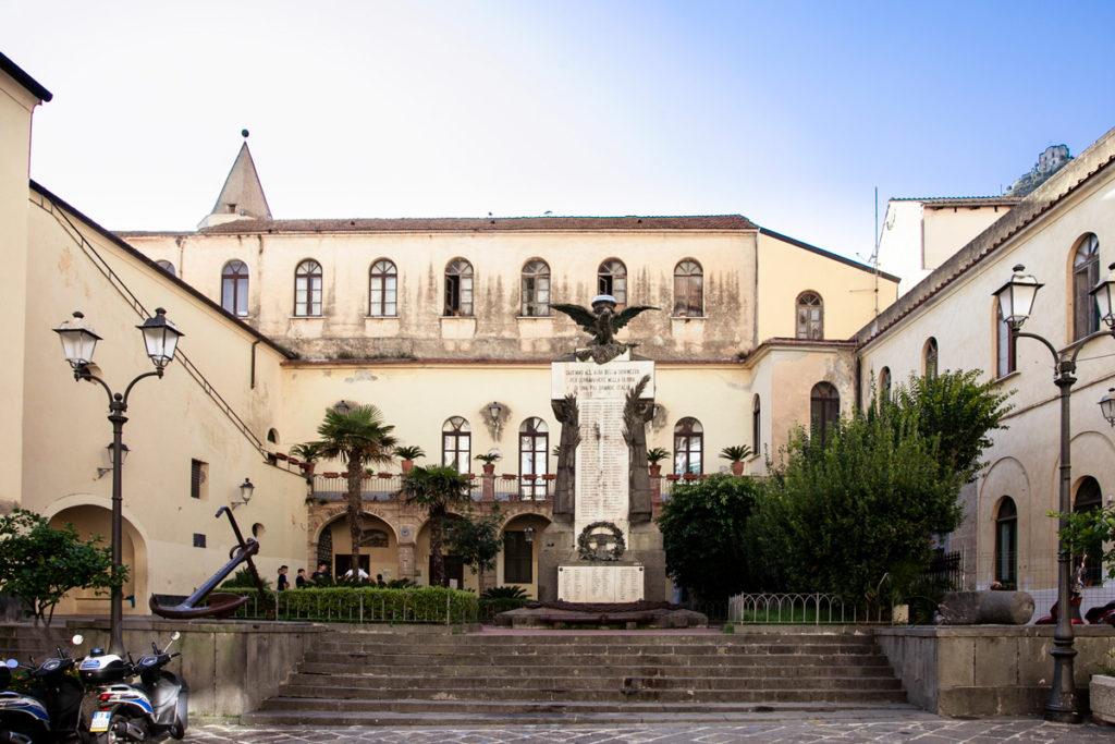 Palazzo del Municipio di Amalfi nel monastero benedettino della Santissima Trinità