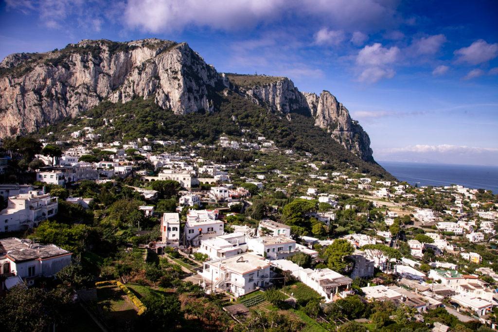 Panorama su Capri e sui suoi monti