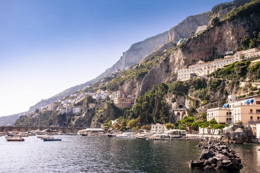Panorama sulla costiera Amalfitana da Amalfi