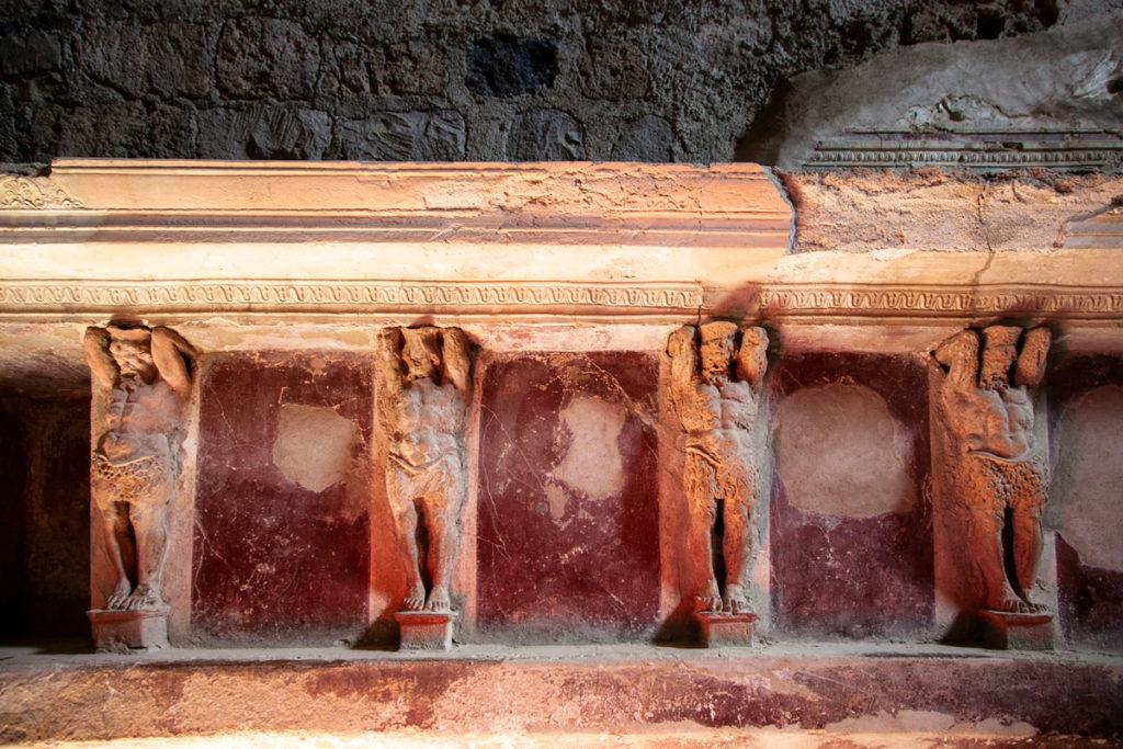 Particolare delle decorazioni delle Terme del Foro a Pompei