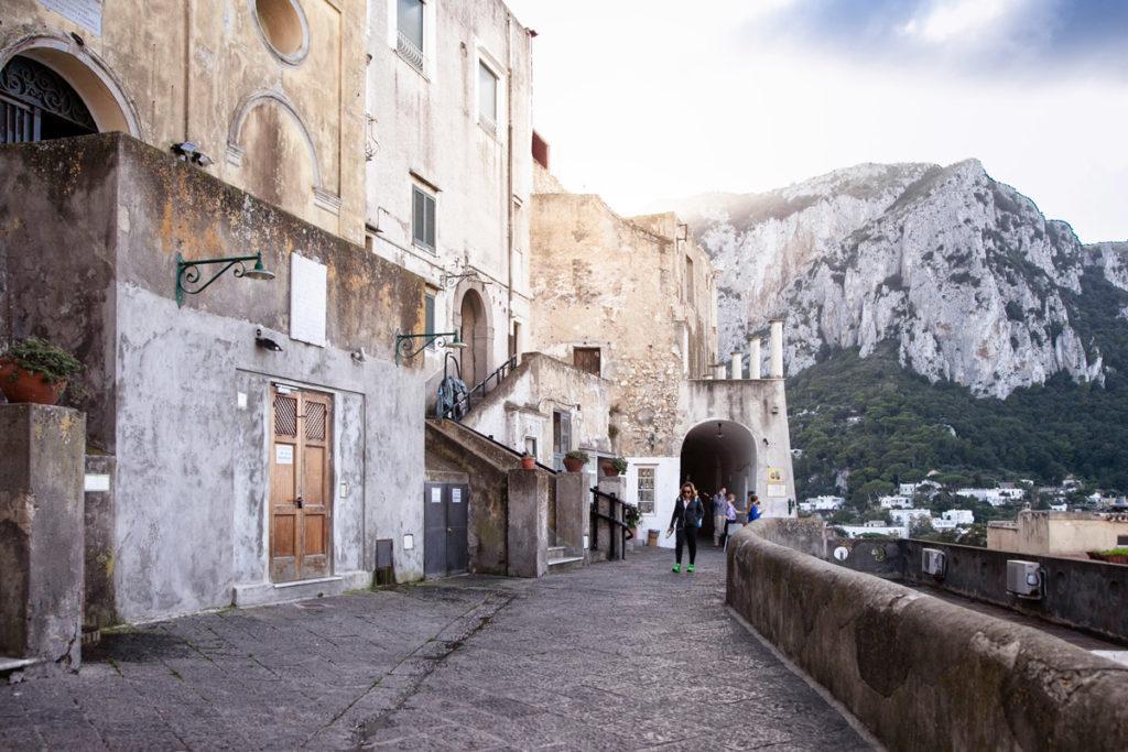 Passeggiata fino al Convento di Santa Teresa e alla chiesa del Santissimo Salvatore