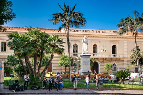 Piazza Sant'Antonino e Conservatorio di Santa Maria delle Grazie a Sorrento